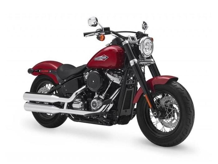 2018 Harley-Davidson FLSL - Softail® Softail Slim® Photo 3 of 6