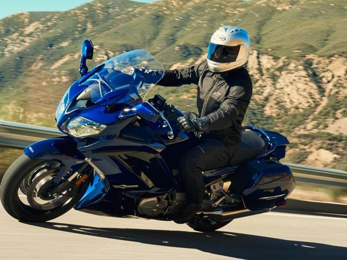 2019 Yamaha FJR1300ES Photo 12 of 13