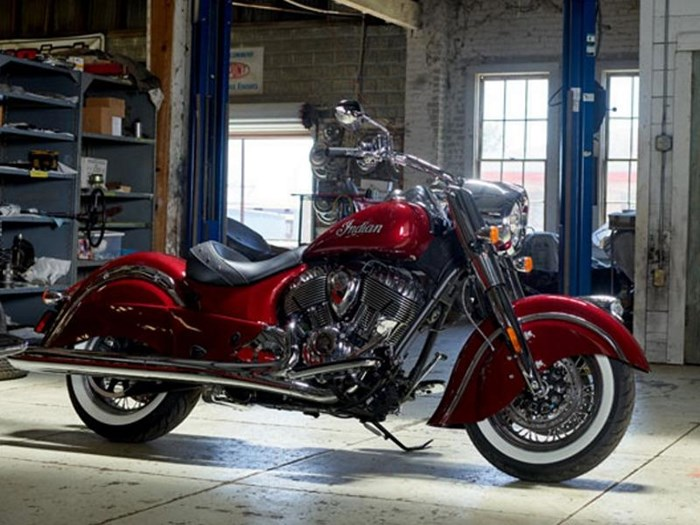 2018 Indian Motorcycle® Chief® Classic ABS Burgundy Metallic Photo 10 of 15