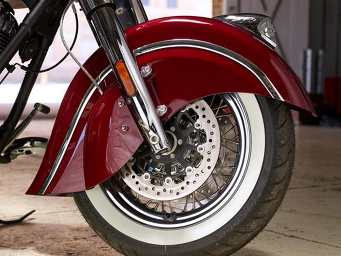 2018 Indian Motorcycle® Chief® Classic ABS Burgundy Metallic Photo 7 of 15