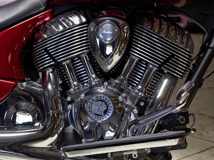 2018 Indian Motorcycle® Chief® Classic ABS Burgundy Metallic Photo 9 of 15