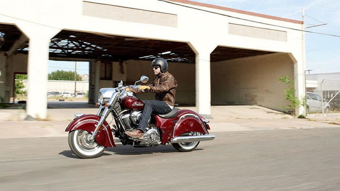 2018 Indian Motorcycle® Chief® Classic ABS Burgundy Metallic Photo 8 of 15