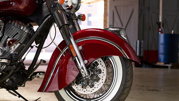 2018 Indian Motorcycle® Chief® Classic ABS Burgundy Metallic Photo 6 of 15