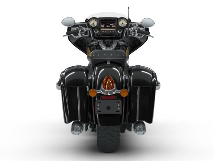 2018 Indian Motorcycle® Chieftain® Classic ABS Thunder Black Photo 4 of 5