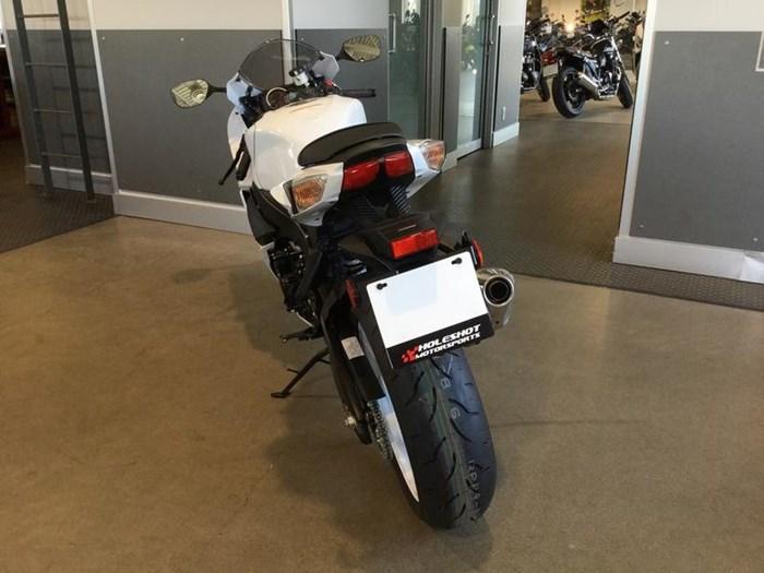 2019 Suzuki GSX-R600 Photo 4 of 6