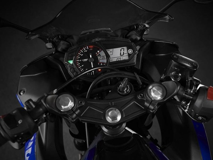 2018 Yamaha YZF-R3 Photo 4 of 5