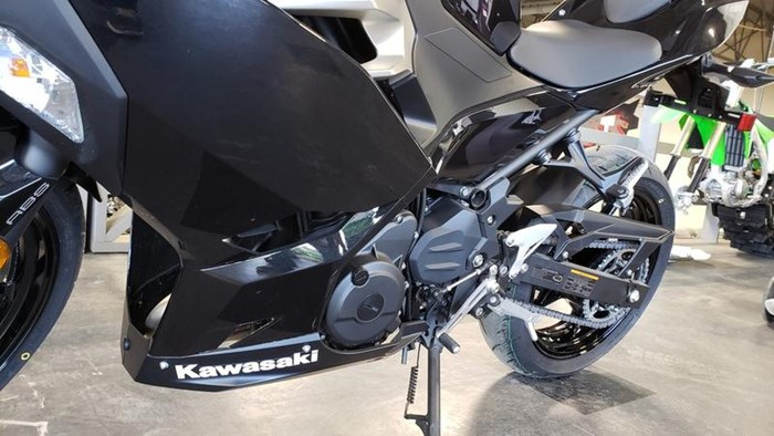 2018 Kawasaki Ninja 400 ABS Photo 3 of 11