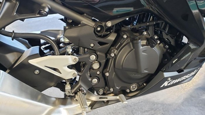 2018 Kawasaki Ninja 400 ABS Photo 7 of 11