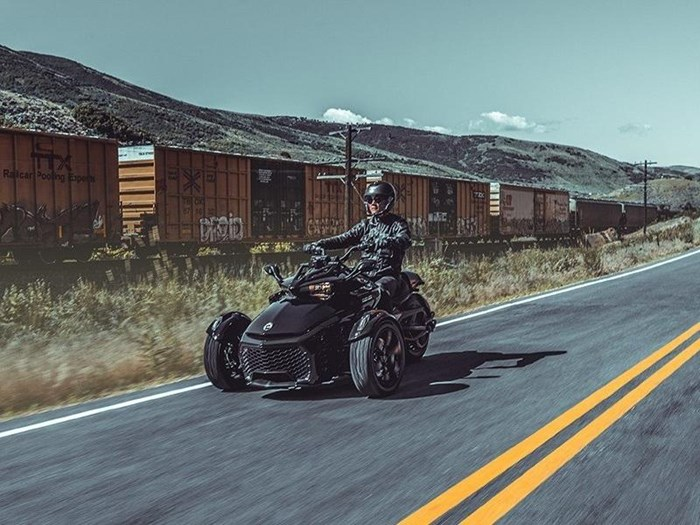 2019 Can-Am Spyder® F3 Photo 2 of 2