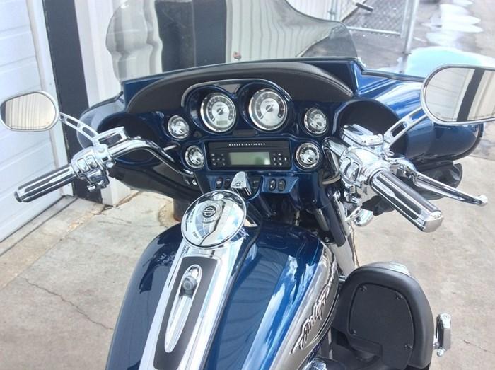 2010 Harley-Davidson CV0 ULTRA-CLASSIC - FLHTCUSE Photo 4 of 13