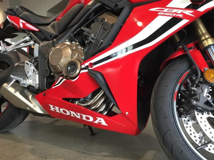 2019 Honda CBR650R Photo 3 of 7