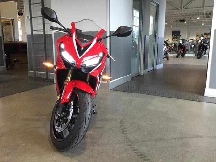 2019 Honda CBR650R Photo 2 of 7