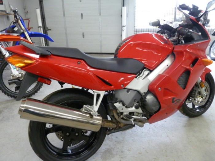 2000 Honda VFR800 Photo 2 of 5