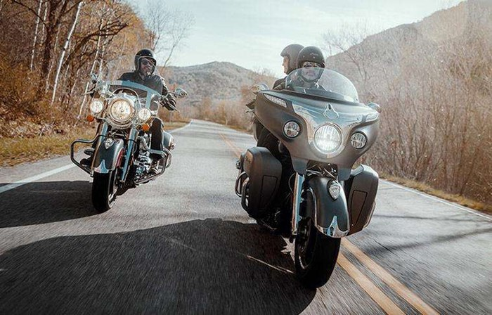 2019 INDIAN ROADMASTER PEARL WHITE STAR SILVER Photo 5 of 7