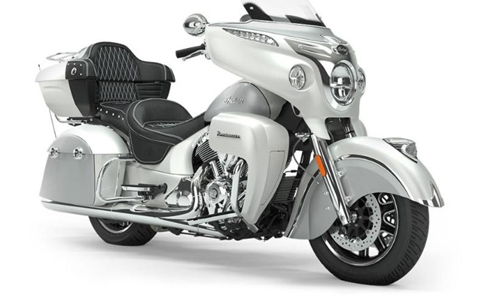 2019 INDIAN ROADMASTER PEARL WHITE STAR SILVER Photo 1 of 7
