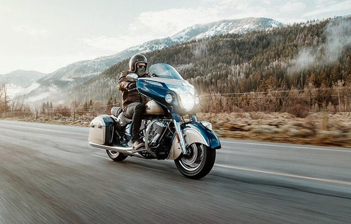 2019 INDIAN CHIEFTAIN CLASSIC DEEP WATER METALLIC DIRT TRACK T Photo 2 of 7