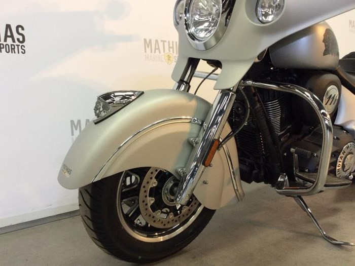 2018 INDIAN INDIAN CHIEFTAIN CLASSIC Photo 10 of 12