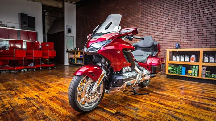 2019 Honda GOLD WING TOUR DCT ABS Photo 13 sur 20