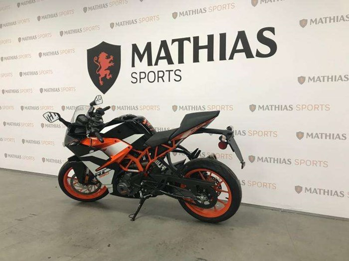 2017 KTM RC 390 Photo 6 of 9