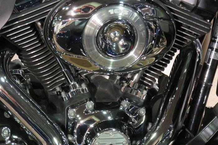2011 Harley-Davidson FLTRU - Road Glide® Ultra Photo 2 of 9