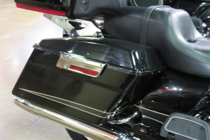 2011 Harley-Davidson FLTRU - Road Glide® Ultra Photo 4 of 9
