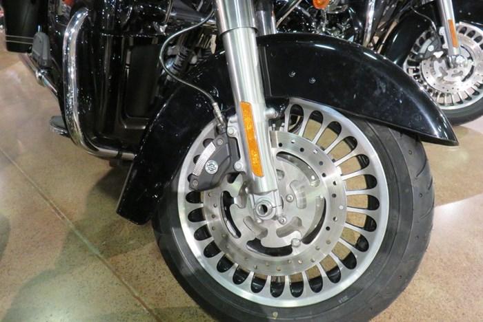 2011 Harley-Davidson FLTRU - Road Glide® Ultra Photo 7 of 9