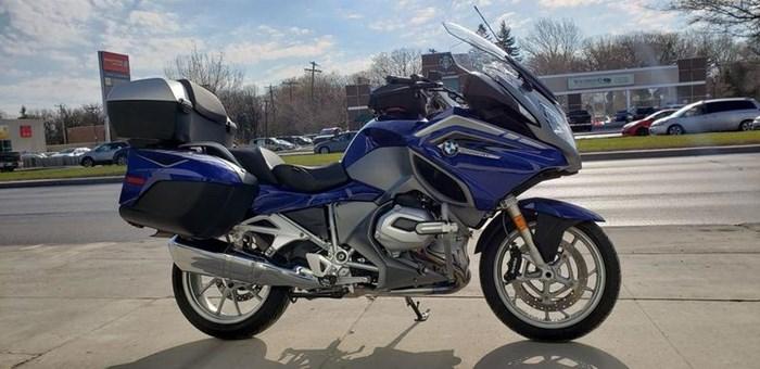 Bmw R1200rt San Marino Blue Granite Grey Me 2016 Used Motorcycle For Sale In Winnipeg Manitoba Motorcycledealers Ca