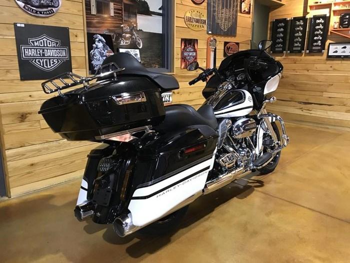 2017 Harley-Davidson FLTRXS - Road Glide® Special Photo 3 of 13