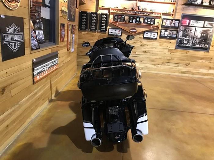 2017 Harley-Davidson FLTRXS - Road Glide® Special Photo 7 of 13