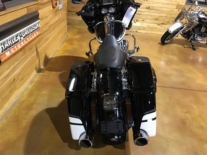 2017 Harley-Davidson FLTRXS - Road Glide® Special Photo 12 of 13