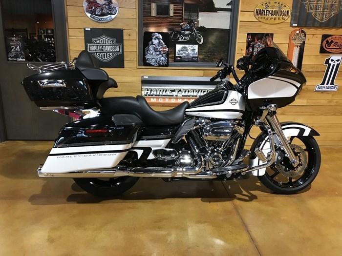 2017 Harley-Davidson FLTRXS - Road Glide® Special Photo 1 sur 13