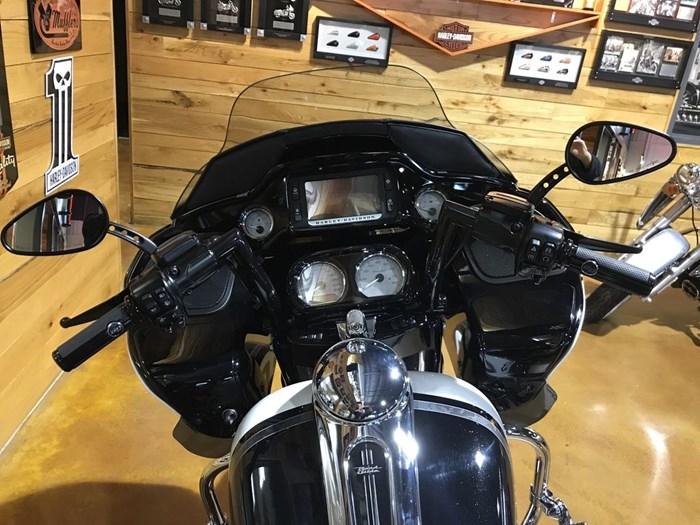 2017 Harley-Davidson FLTRXS - Road Glide® Special Photo 10 sur 13