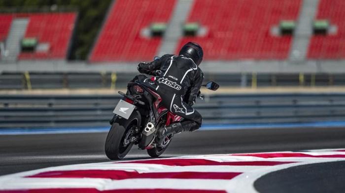 2019 Honda CBR500R ABS Photo 10 of 11