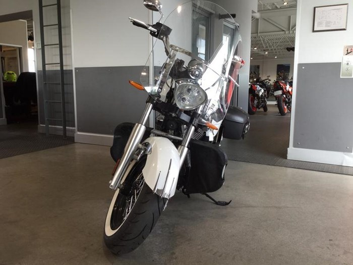 2013 Victory Boardwalk™ Pearl White Photo 2 of 6