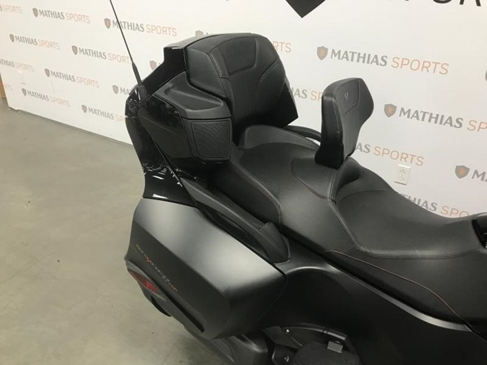 2016 Can-Am SPYDER RTS Photo 10 of 11