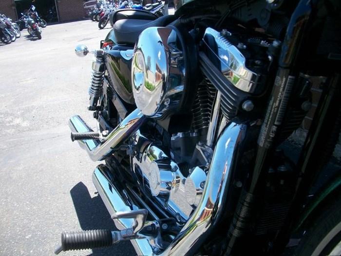 2013 Harley-Davidson XL1200V - Sportster® Seventy-Two™ Photo 9 of 18
