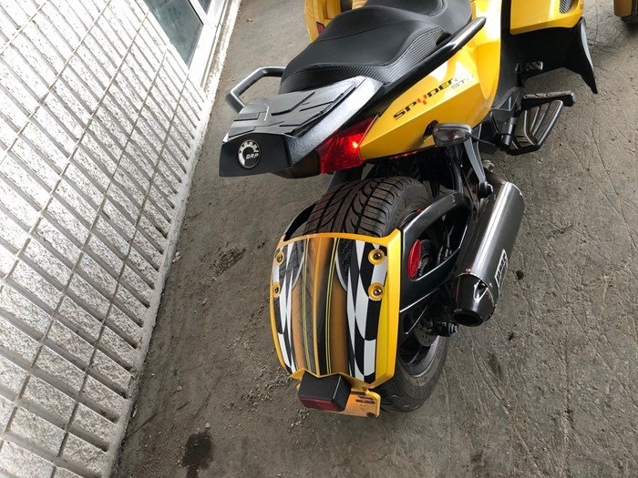 2013 Can-Am Spyder ST-S SM5 Photo 5 of 9