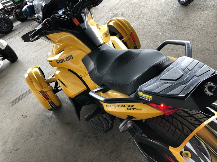 2013 Can-Am Spyder ST-S SM5 Photo 7 of 9