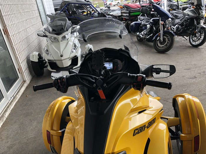 2013 Can-Am Spyder ST-S SM5 Photo 6 of 9