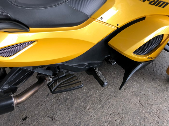 2013 Can-Am Spyder ST-S SM5 Photo 9 of 9