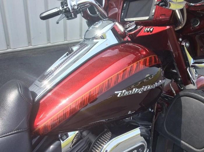 2014 Harley-Davidson FLHTKSE - CVO™ Limited Photo 4 of 11