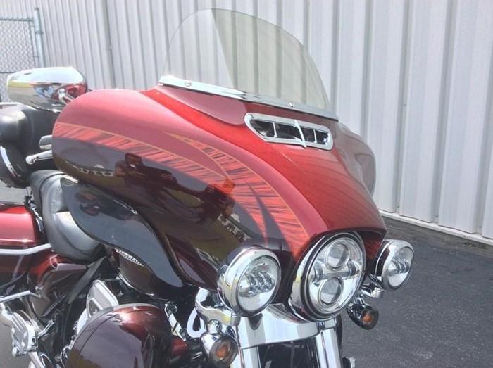 2014 Harley-Davidson FLHTKSE - CVO™ Limited Photo 7 of 11