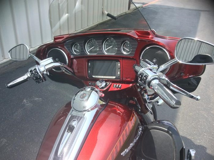 2014 Harley-Davidson FLHTKSE - CVO™ Limited Photo 8 of 11