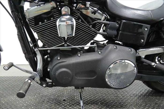 2010 Harley-Davidson FXDWG - Wide Glide® Photo 4 sur 10