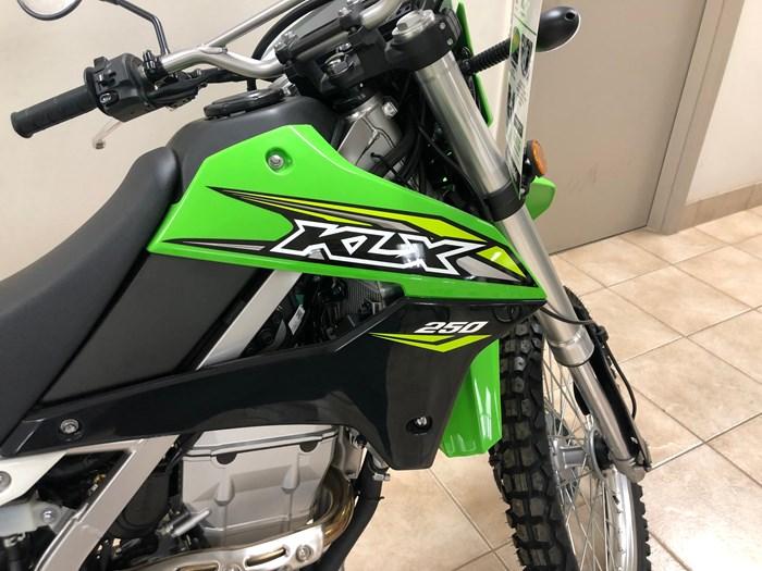 2019 Kawasaki KLX250S Photo 3 of 3