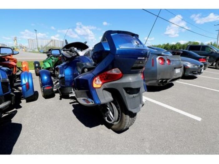 2011 Can-Am Spyder RT-S SM5 Photo 5 of 9
