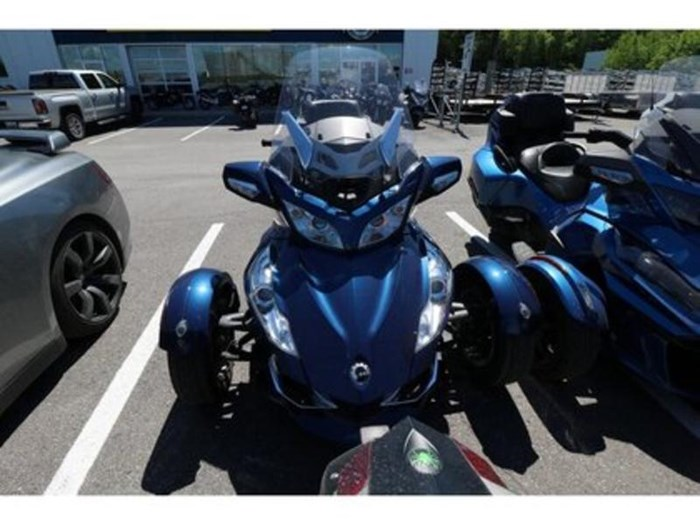 2011 Can-Am Spyder RT-S SM5 Photo 2 of 9