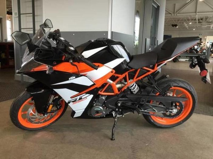2018 KTM RC 390 Photo 1 of 5
