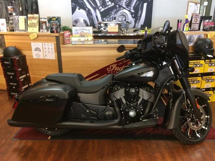 2019 Indian Motorcycle® Chieftain Dark Horse® Thunder Black Smok Photo 1 of 4