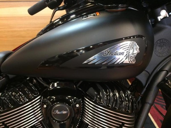 2019 Indian Motorcycle® Chieftain Dark Horse® Thunder Black Smok Photo 2 of 4